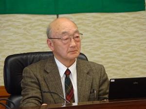 内山二郎理事長 600